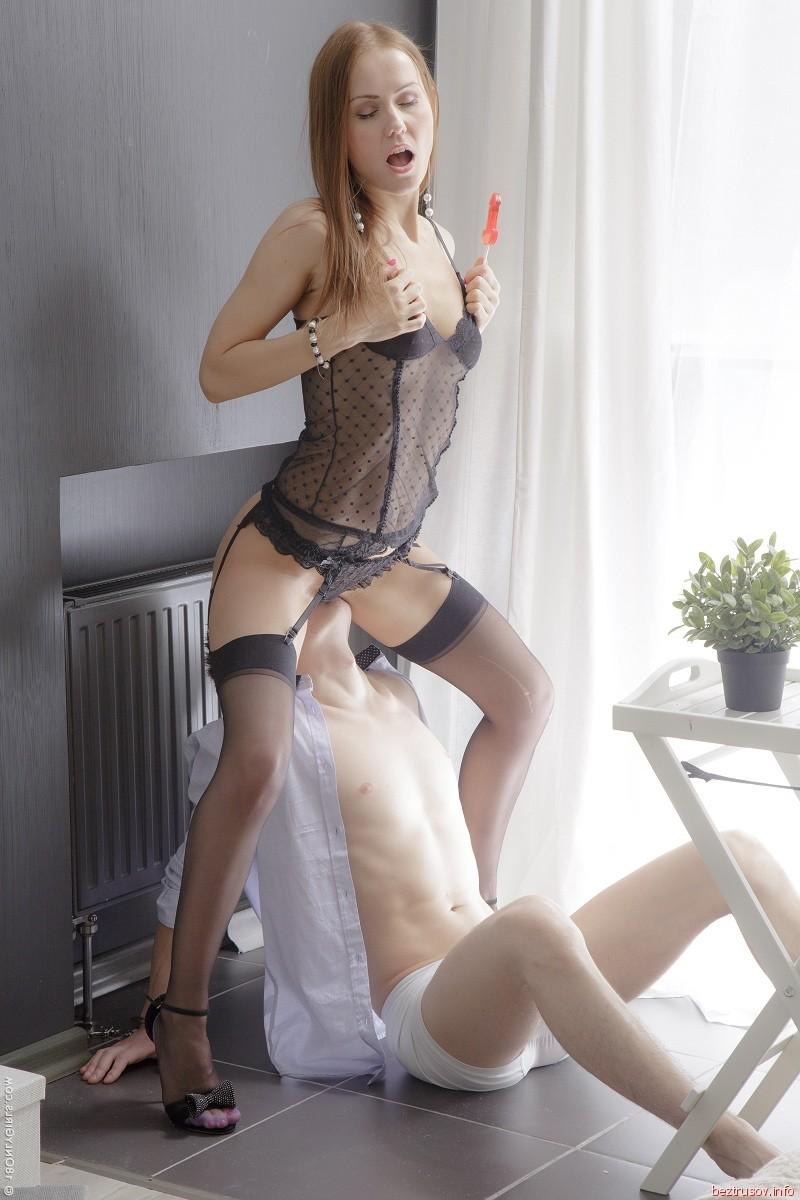 blond stripper pleasures self – Pornostar