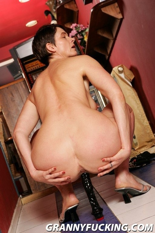 eve torres hot boobs – BDSM