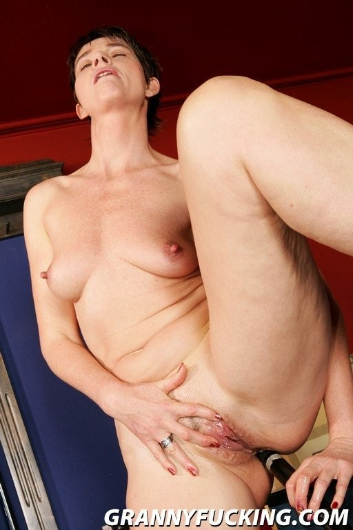 cougar wants to fuck hard – Anal