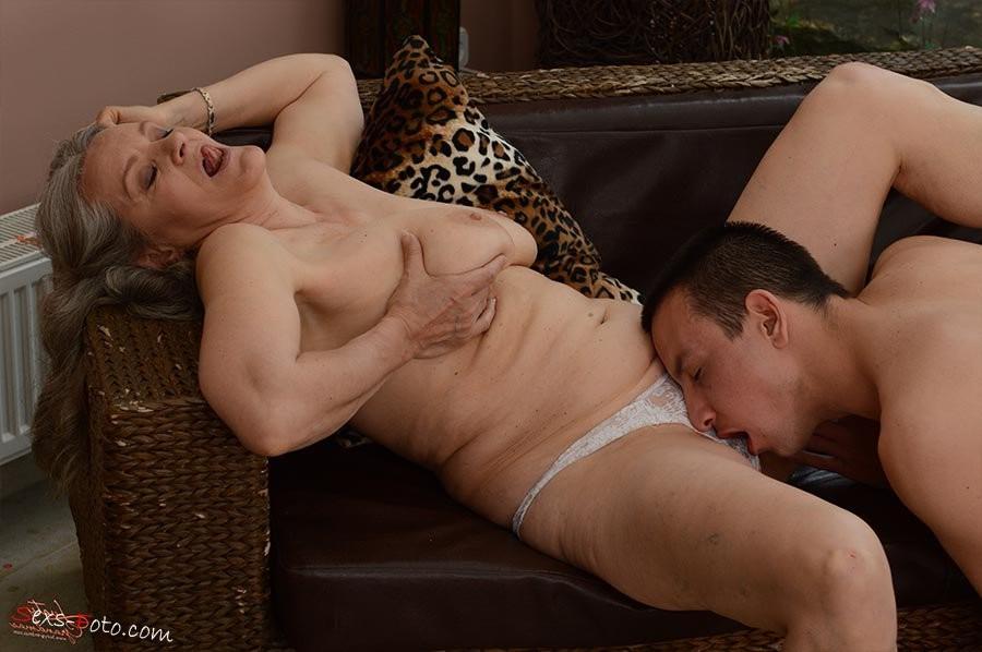 skinny fake tits milf – Amateur
